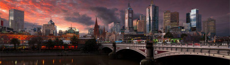 Melbourne CBD Tram on bridge