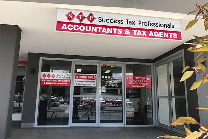 Accountants and tax agents booragoon